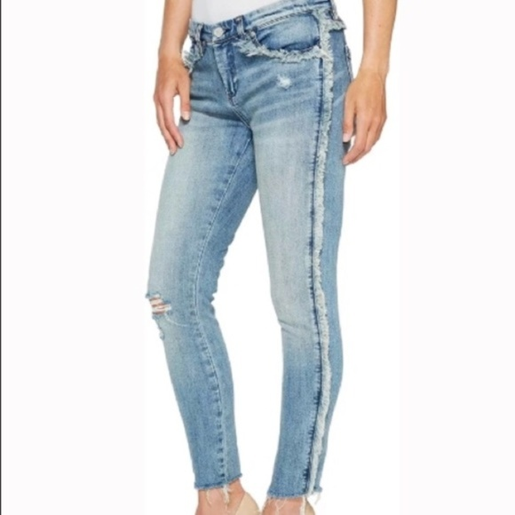 Blank NYC Denim - BLANKNYC Denim Frays for Days Crop Skinny Jeans